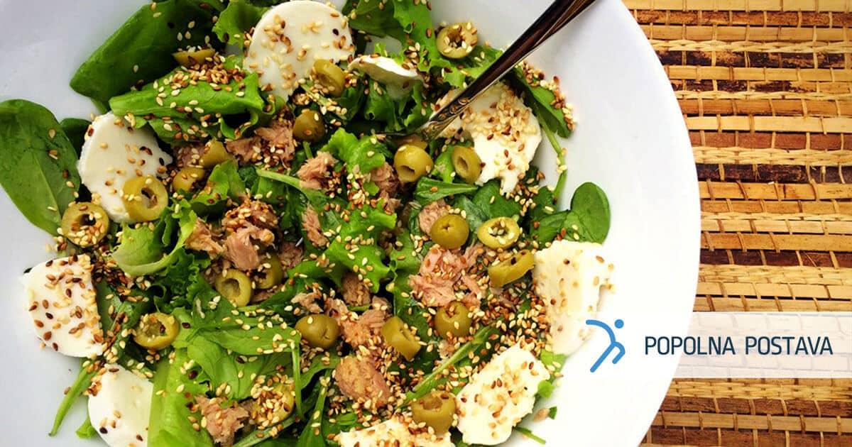 Mediteranska solata s sezamom