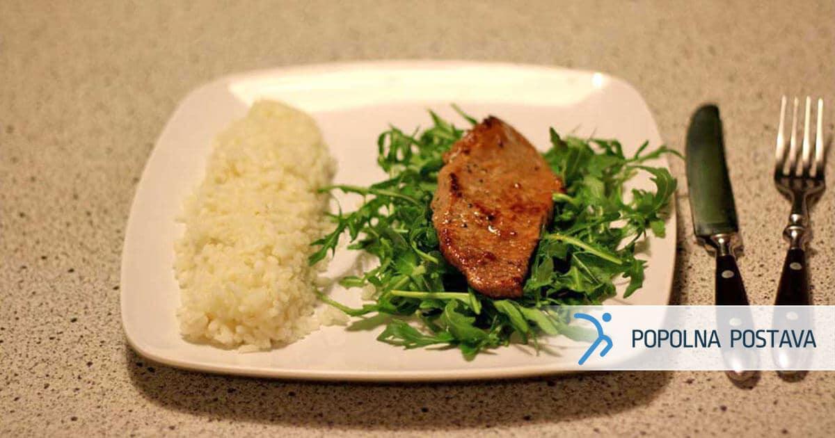 PP-recept-socni-steak-na-rukolini-posteljici-z-dusenim-rizem