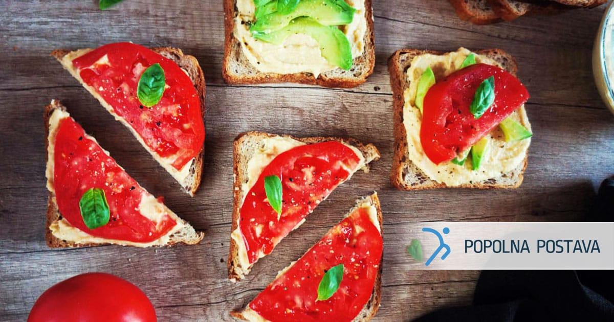 PP-Svezi-sendvic-s-humusom