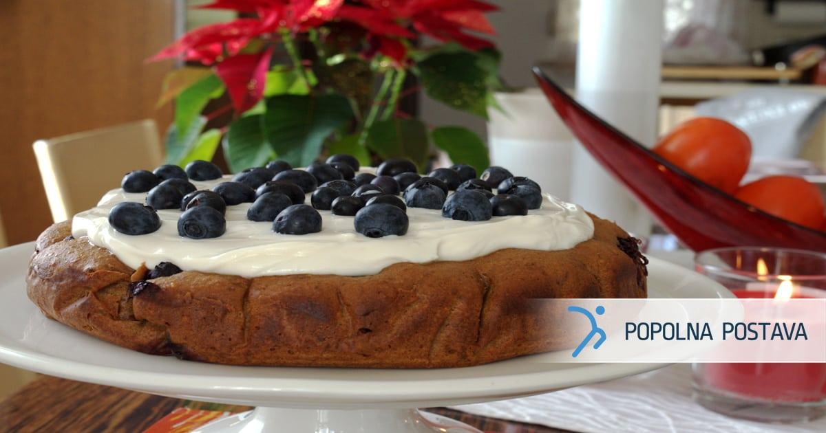 Borovničeva fit torta