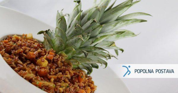 Eksotična rižota z ananasom in piščancem