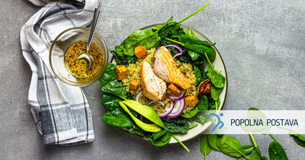 Kvinojina skledica z lososom
