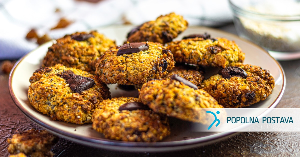 Ovseni piškoti s chia semeni in temno čokolado