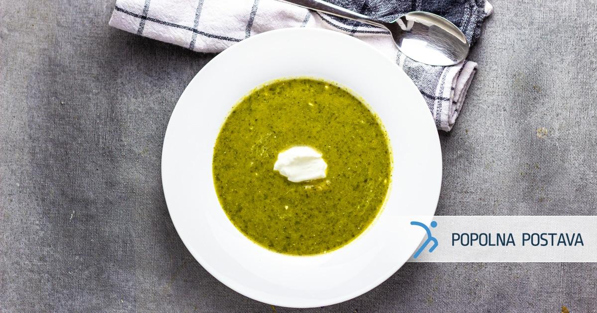 Brokolijeva kremna juha s kislo smetano